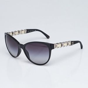 CHANEL Butterfly Chain Sunglasses 5215-Q Black